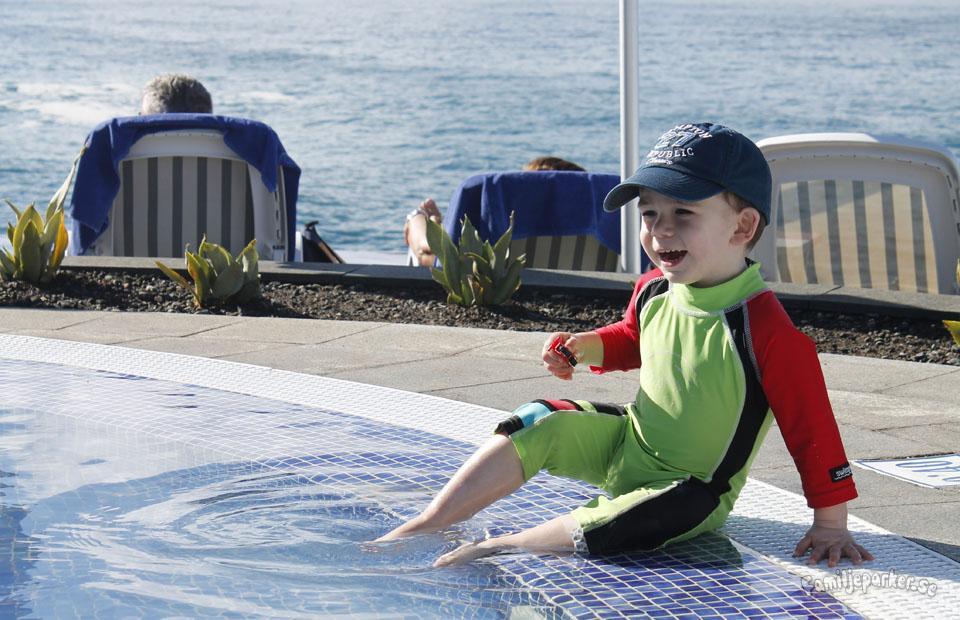 Kids Club och barnpool på Marina Suites