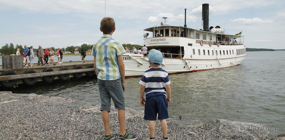 Lilla Rundturen – ångande tåg och båttur runt Mariefred