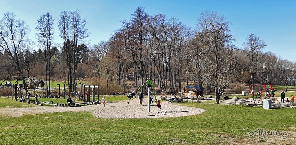 Ängsjö friluftsområde – lek och familjevänliga stigar