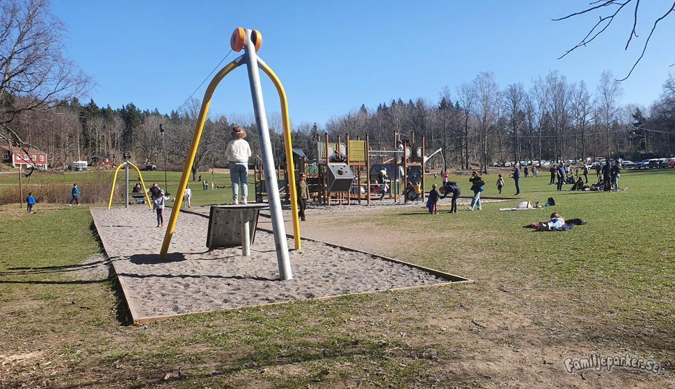 lekpark på ängsjö friluftsområde