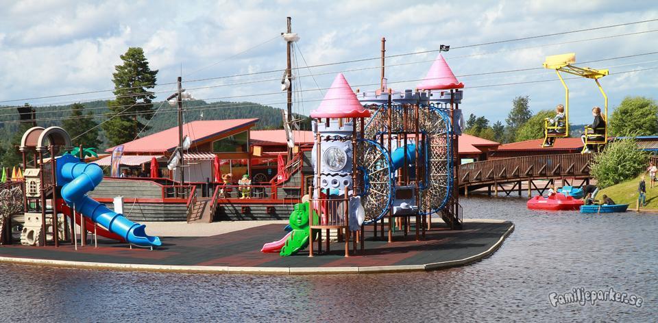 10 roliga parker och sommarland som har öppet 2021